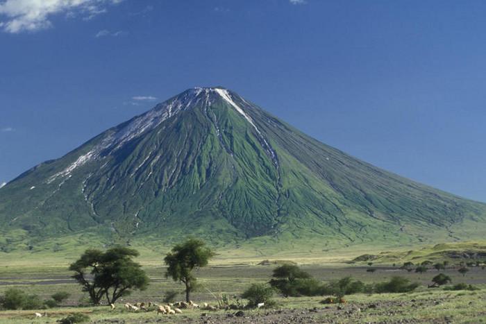 Oldonyo-lengai-mountain-climbing-tours