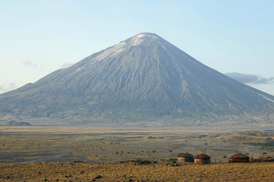 Mount-Oldonyo-Lengai